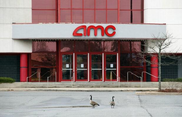AMC Theatres Stock Sinks 13% as Cinema Giant Faces Cash Crunch