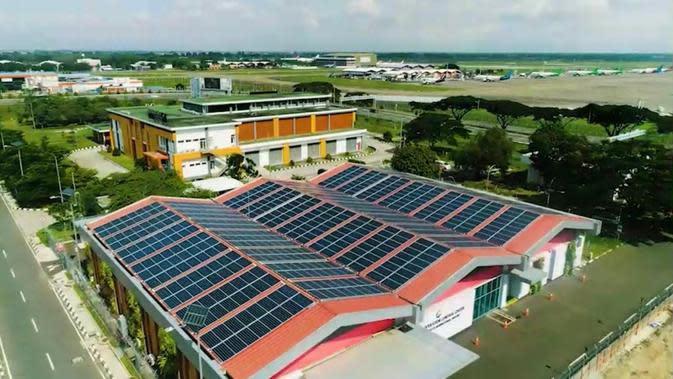 Pembangkit Listrik Tenaga Surya (PLTS) di Gedung Airport Operation Control Center (AOCC) Bandara Soekarno Hatta (dok: AP II)