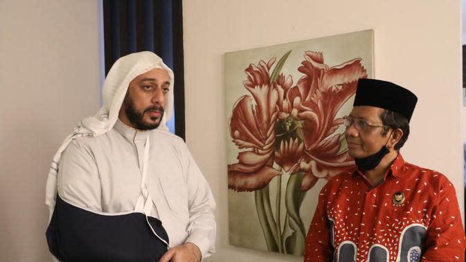 Syekh Ali Jaber Bersama Mahfud MD. (Dokumentasi foto: Humas Kemenko Polhukam).