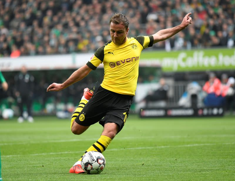 Free agent Goetze makes surprise move to PSV