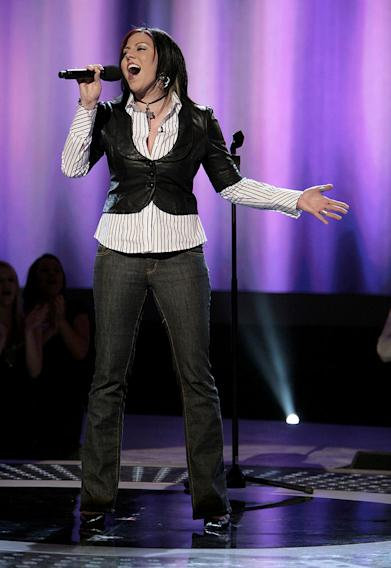 Gina Glocksen performs in front of the judges on 6th season of American Idol.