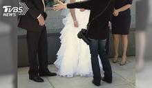 3百張婚紗照苦等1個月 婚攝全刪光硬拗「記憶卡滿囉」