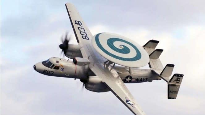 VIVA Militer: Pesawat Hawkeye E-2C Angkatan Laut Amerika Serikat