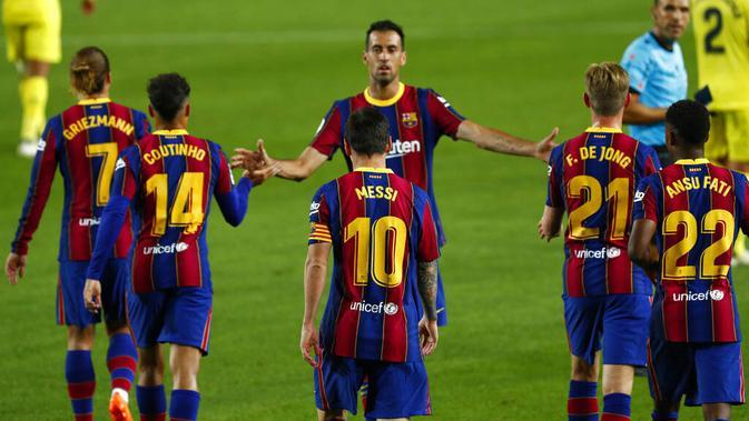 Pemain Barcelona saat melawan Villareal pada laga Liga Spanyol di Stadion Camp Nou, Senin (28/9/2020). Barcelona menang dengan skor 4-0. (AP Photo/Joan Monfort)