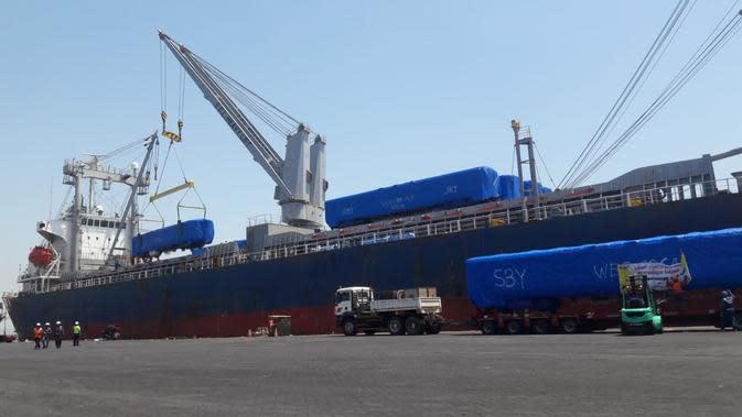 PT INKA (Persero) telah mengekspor kereta ke Bangladesh.