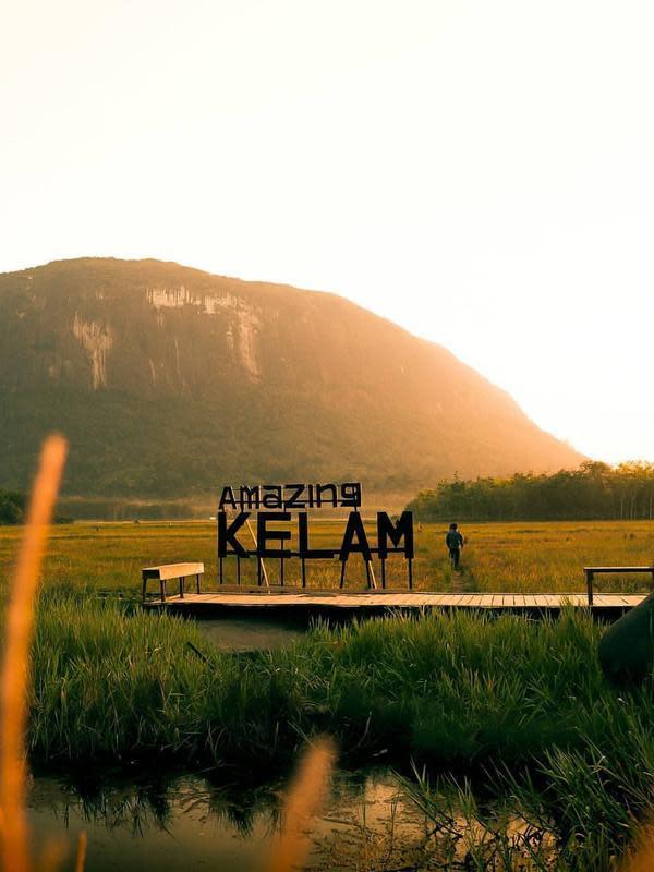 Tebing Bukit Kelam. (dok. instagram.com/sintanginformasi/https://www.instagram.com/p/B1EONyCpGdm/Novi Thedora)