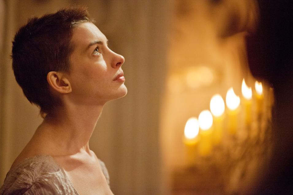 LES MISERABLES, Anne Hathaway, 2012. ph: Laurie Sparham/©Universal Pictures/Courtesy Everett Collection
