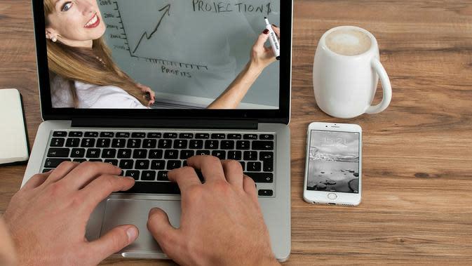 Ilustrasi e-Learning, online course, kelas belajar online. Kredit: Mohamed Hassan via Pixabay