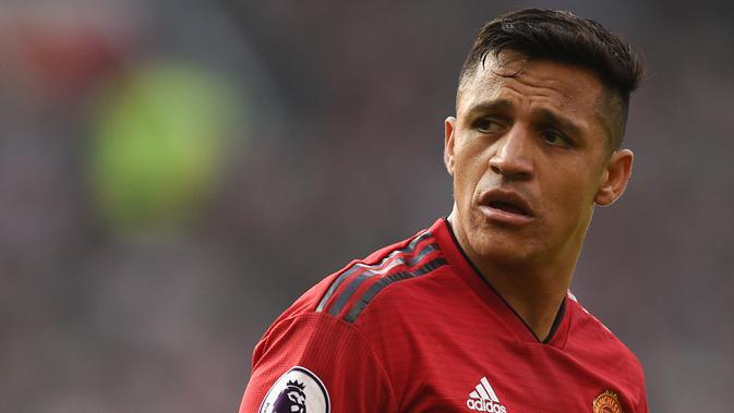 Alexis Sanchez - Pemain yang pernah menjadi mesin gol Arsenal ini datang ke Manchester United pada Januari 2018. Namun sayang, Sanchez hanya mencetak 5 gol dari 45 pertandingan bersama Manchester United. (AFP/Oli Scarff)