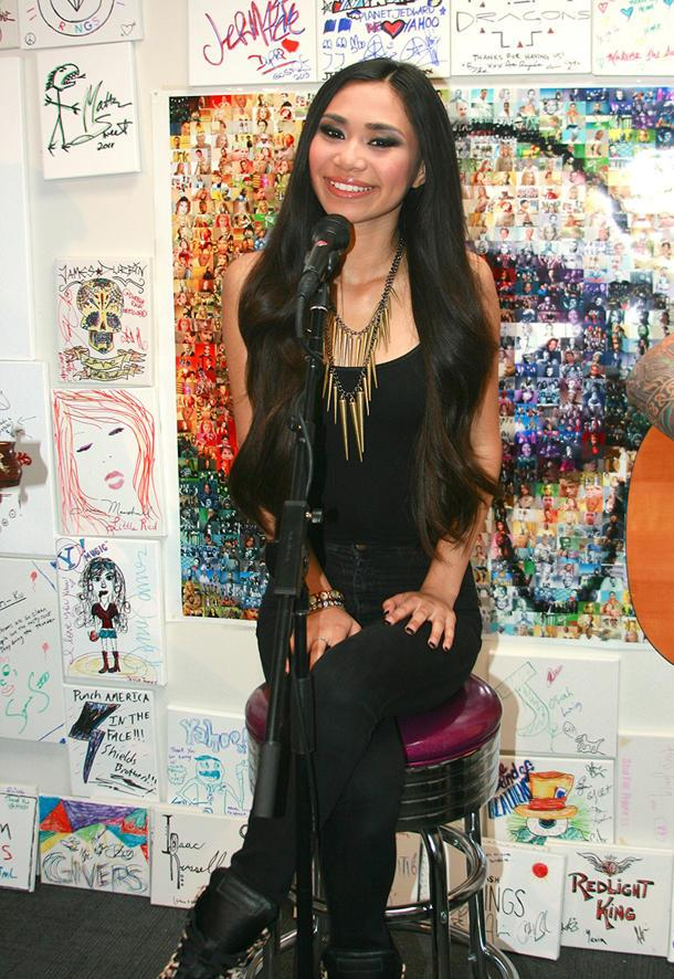 """Jessica Sanchez Gives First Online Performance Of """"Tonight"""" At Yahoo!"""