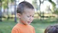 男孩不該用哭來表達情緒嗎?