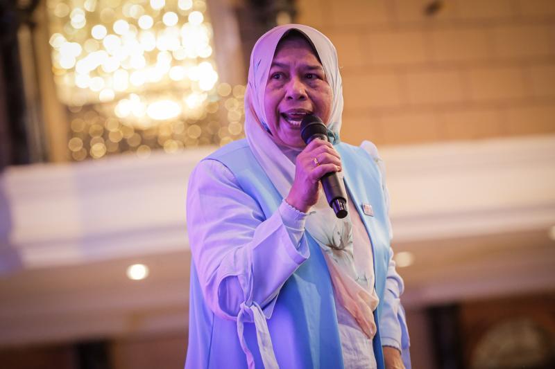 PKR vice-president Zuraida Kamaruddin speaks during the 'SPV 2030' dinner at Hotel Renaissance Kuala Lumpur December 8, 2019. — Picture by Hari Anggara