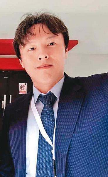 國立雲林科技大學教授楊智傑(圖),遭上市公司女主管指控騙財騙色。(翻攝自臉書)