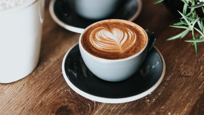 ilustrasi secangkir kopi/Photo by Nathan Dumlao on Unsplash