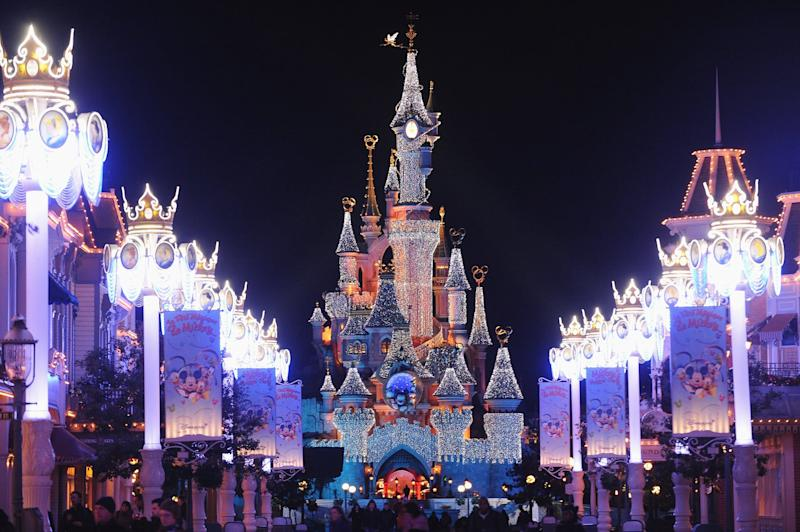 PARIS - NOVEMBER 07: A general view of the Sleeping Beauty Castle during the Disneyland Magic Christmas Season Launch at Disneyland Resort Paris on November 7, 2009 in Paris, France. (Photo by Francois G. Durand/WireImage) *** Local Caption ***