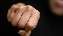 法國家暴:被掩蓋的「抗疫隱形成本」