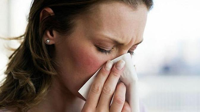 Orang dengan alergi jamur serius mungkin memiliki reaksi yang lebih parah, termasuk sesak napas.