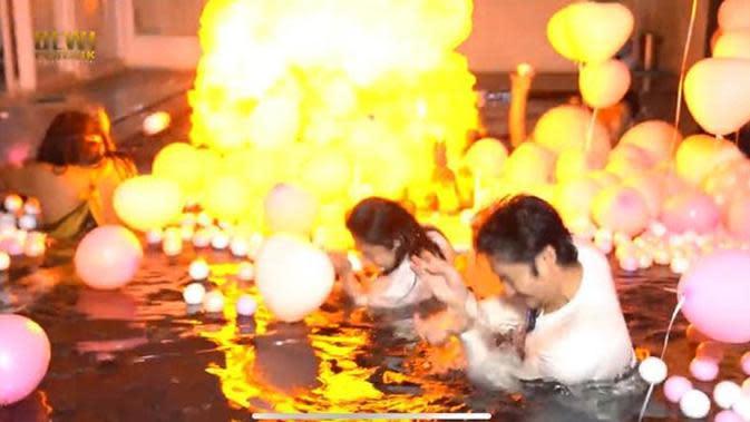 Dewi Perssik membuat sebuah perayaan ulang tahun untuk suaminya Angga Wijaya.