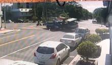 無號誌路口2車撞 消防狂剪車身搶救