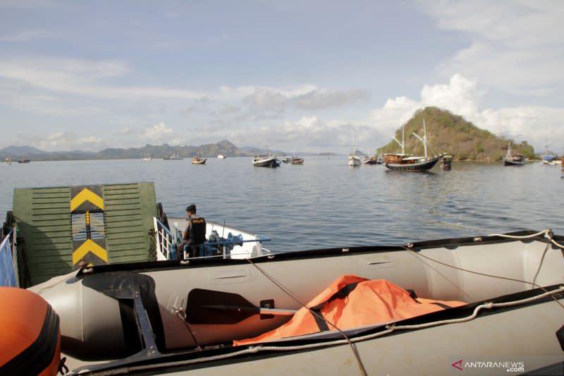 Syahbandar Labuan Bajo larang kapal wisata berlayar selama cuaca buruk