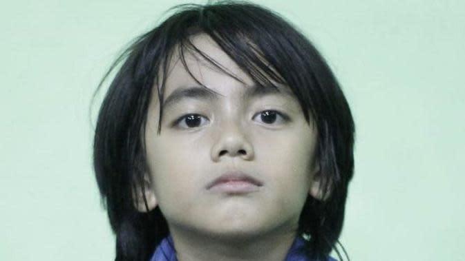Potret Quentin anak Epy Kusnandar. (Sumber: Instagram/@karinaranau9)