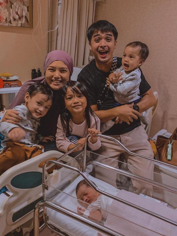 Keluarga Ricky Harun (Instagram/rickyharun)