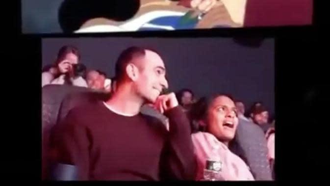 Pria Lamar Kekasihnya Dengan Mengubah Alur Film Puteri Tidur. (dok. Instagram @popculture/https://www.instagram.com/p/B7KvvmJg_Qe/?igshid=18nse3sdjn2md/Adhita Diansyavira)