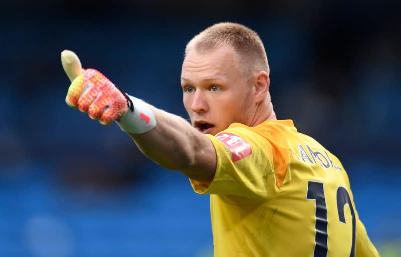 Sheffield United sign goalkeeper Ramsdale following Henderson departure