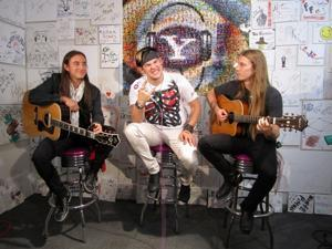 James Durbin Goes Unplugged at Yahoo!