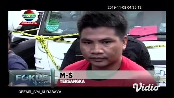 VIDEO: Polisi Tangkap Seorang Pembajak Truk Muatan Kayu di Gresik