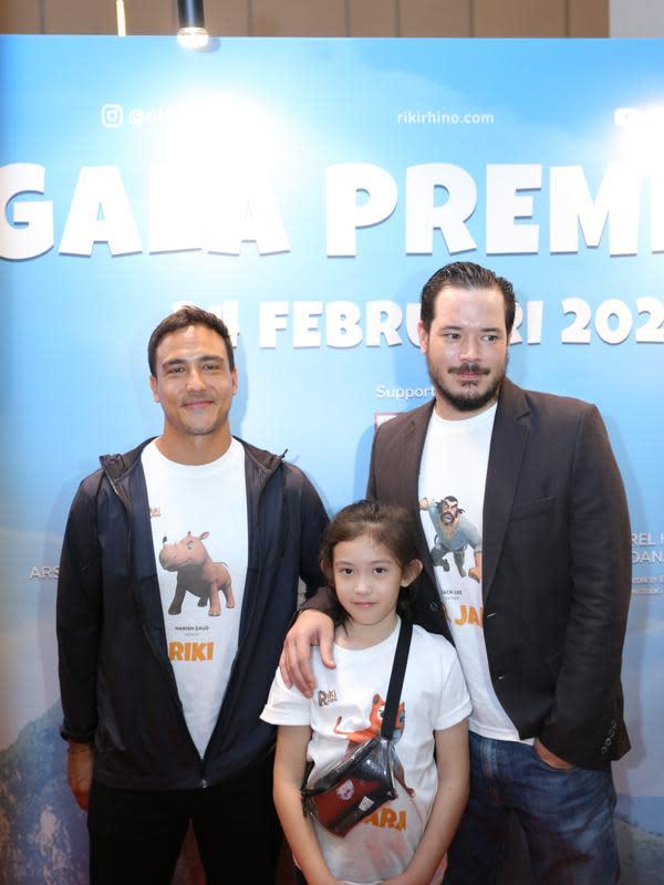 Zack Lee dan Mikhaela Lee Juwono screening film animasi Riki Rhino, di XXI Epicentrum, Kuningan, Jakarta Selatan, Senin (24/2/2020). (Daniel Kampua/Fimela.com)