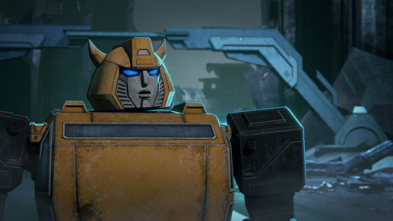Bumblebee (Joe Zieja) is undecided about his allegiance in Transformers : War for Cybertron Trilogy. (PHOTO: Netflix)