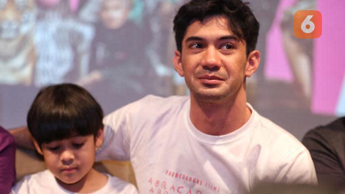Reza Rahadian. (Adrian Putra/Fimela.com)