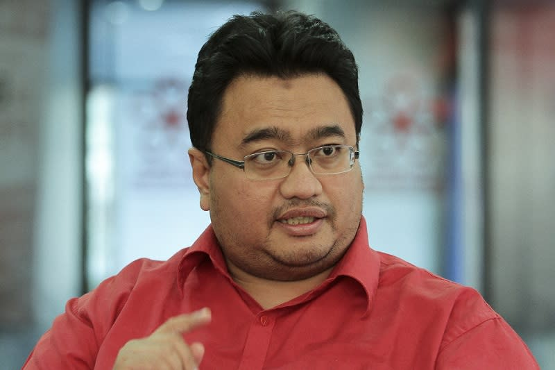 Akhramsyah said Dr Mahathir Mohamad's sacking, along with four other MPs, has angered the party's grassroots. — Picture by Yusof Mat Isa