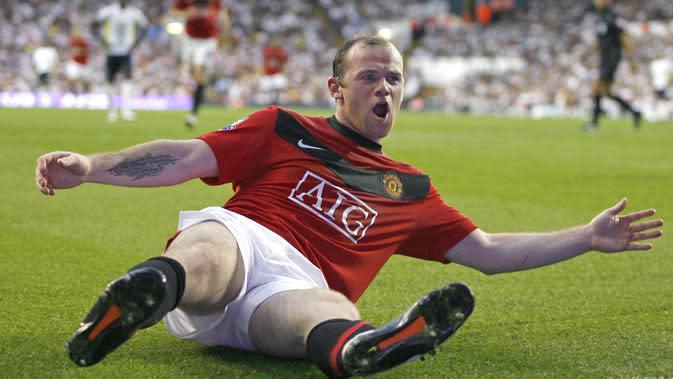 4. Wayne Rooney - Selepas kepergian Cristiano Ronaldo, striker asal Inggris ini langsung menjadi andalan utama Sir Alex Ferguson di lini depan. Wazza bahkan tercatat sebagai top scorer sepanjang masa MU dengan 253 gol. (AFP/Ian Kington)