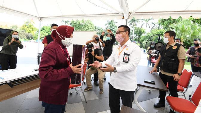 Wali Kota Risma mengaku sebenarnya dirinya berharap BIN terus menggelar rapid test di Surabaya. (Foto BIN)