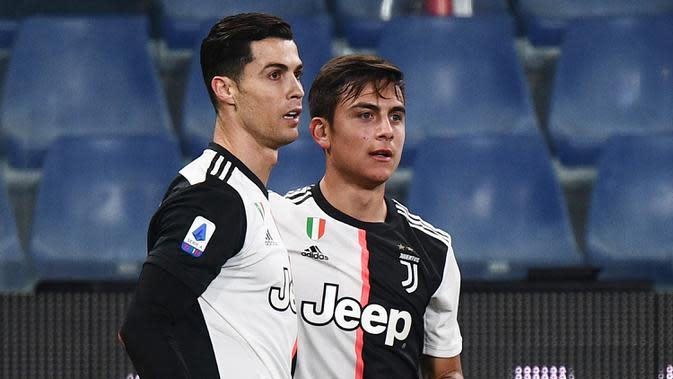 Pelatih Juventus, Maurizio Sarri, menegaskan Cristiano Ronaldo dan Paulo Dybala bisa main bersama. Di mata sang Sarri, duet keduanya cukup baik. (AFP/Marco Bertorello)