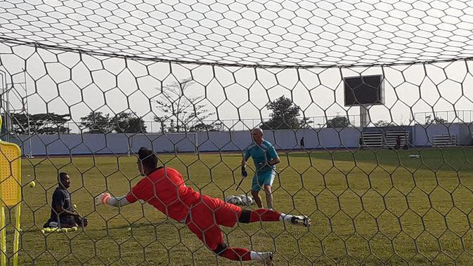 Dhika Bayangkara Sudah Lama Kagumi Pelatih Kiper Persib