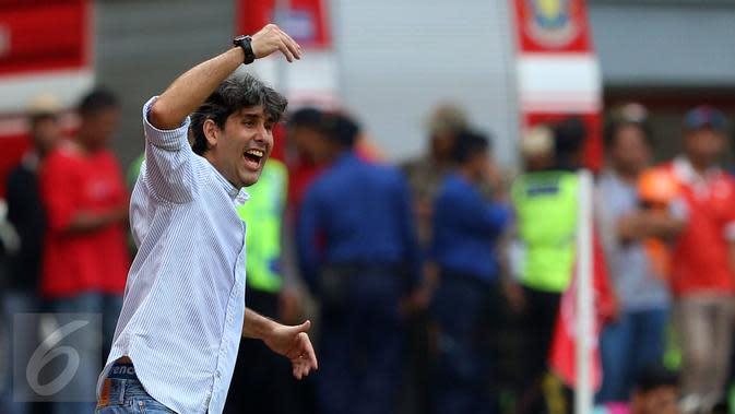 Pelatih Bali United, Stefano Teco. (Liputan6.com/Helmi Fithriansyah)