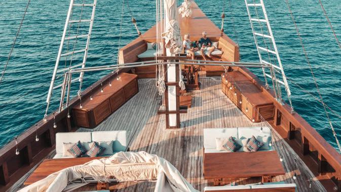 Kapal pinisi, The Maj Oceanic, yang tawarkan layanan berlayar di Komodo, Alor, dan Raja Ampat. (dok. The Maj Oceanic)