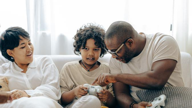 Anak harus didampingi orangtua saat bermain video game | pexels.com/@ketut-subiyanto