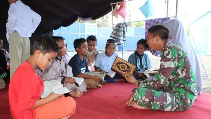 Cerita Prajurit TNI Ajari Anak-Anak Perbatasan Indonesia-Malaysia Berbahasa Inggris