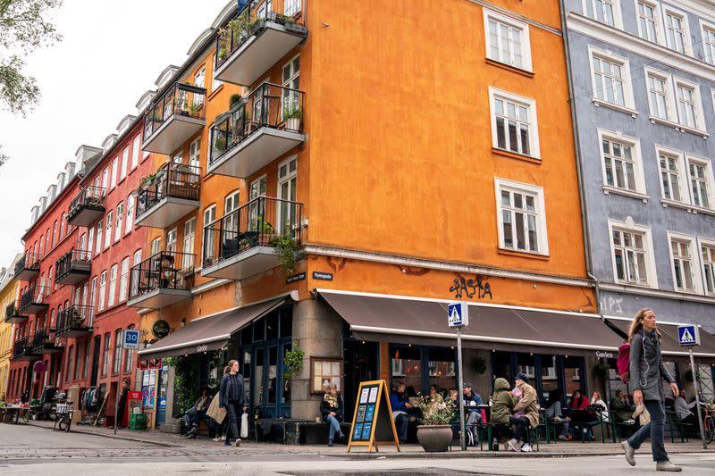 Denmark to let cross-border couples meet again