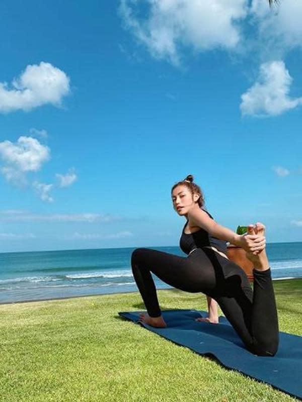 Jessica Iskandar menikmati alam Bali (Instagram/inijedar)