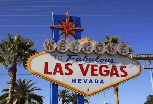 On honeymoon in Vegas, Republican governors seek couples counseling with America