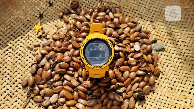 Smartwatch Bertenaga Surya Garmin Instinct Solar. Liputan6.com/Mochamad Wahyu hidayat
