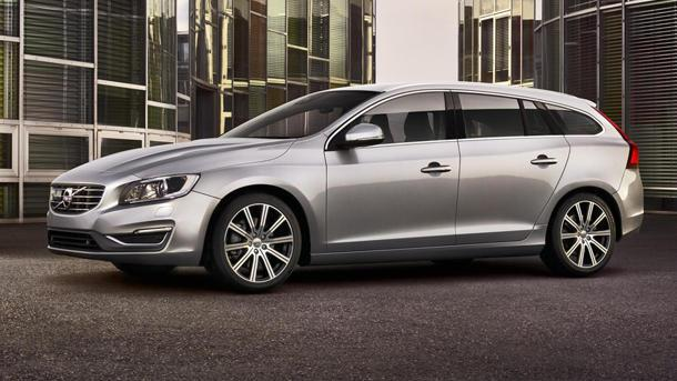 Volvo hauls wagons back to America with the V60