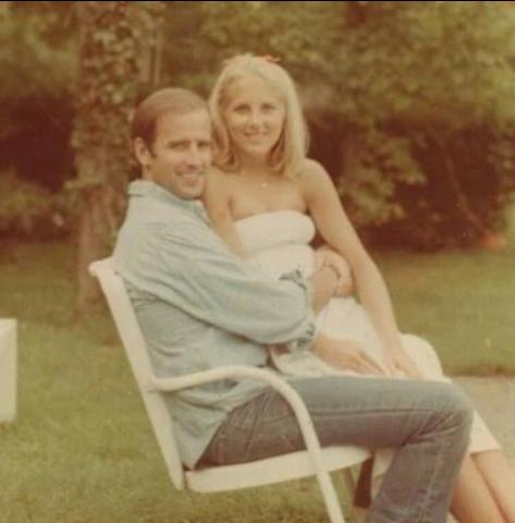 拜登對外稱和吉兒1975年3月時初次見面,吉兒的前夫卻說這是謊言。(圖/翻攝自Instagram drbiden44)