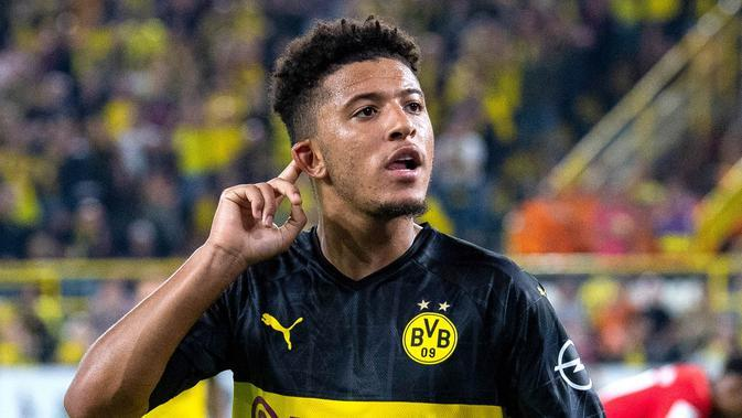 Jadon Sancho (Borussia Dortmund) - Penampilan gemilang bersama Die Borussen membuat pria asal Inggris layak menjadi rebutan klub besar. OVR. (AFP/Guido Kirchner)