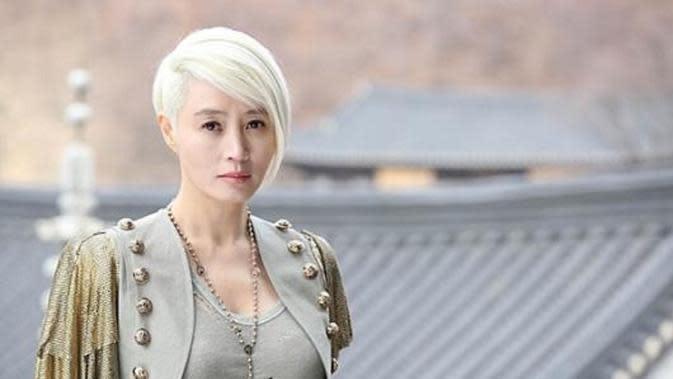 Kim Hye Soo (Kim Hye Soo dalam A Special Lady via: Soompi)